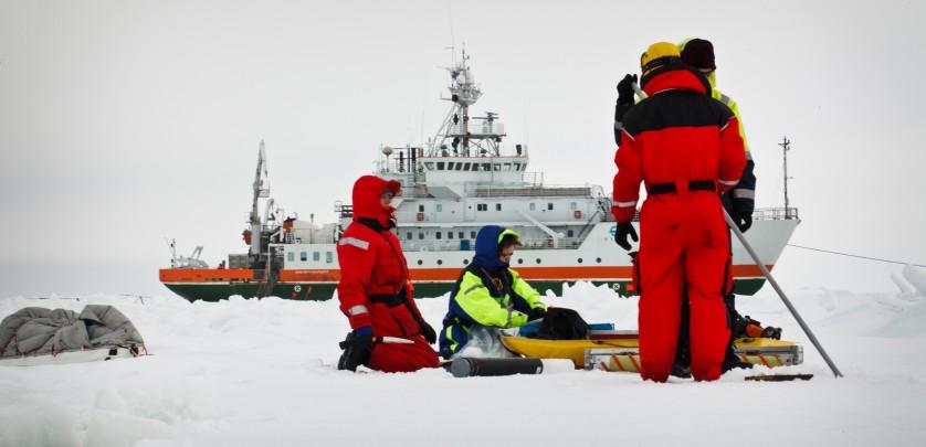 Sample gathering on a windy ice field image: Ilkka Lastumäki